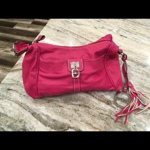 Ellen Tracy Fuscia Leather purse. Good condition.